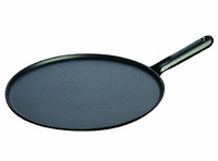 Сковорода для блинов Staub с чугунной ручкой 30 см с приспособлением для размазывания и лопаткой 1213023